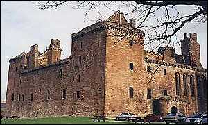 Linlithgow Palace (Pic from Marie Stuart Society)