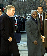 United Nations Secretary General Kofi Annan (centre) arriving at hotel in Oslo