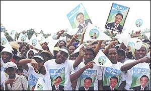 Supporters of Marc Ravalomanana (Pic courtesy DMD/Midi)