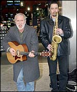 Gordon Haskell (left) accompanied by saxophonist Paul Yeung