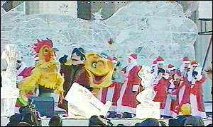 Vyugovey-2002 ice and snow festival: costumed jollity