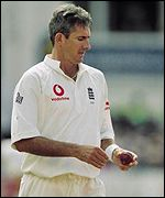 Andy Caddick returns to boost the seaming department