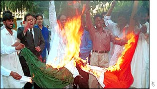 Pakistani protesters burn the Indian flag in Karachi