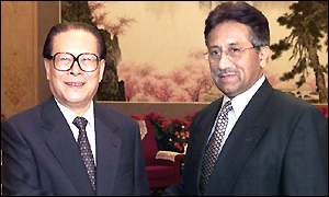 File photo of Chinese President Jiang Zemin (left) and Pervez Musharraf
