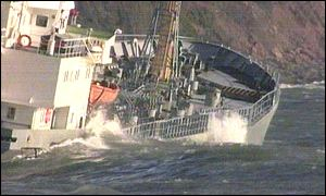 MV Willy stranded in Cawsand Bay