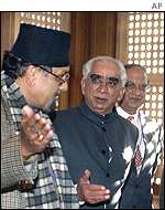 Nepalese Finance Minister Ram Sharan Mahat and India External Affairs Minister Jaswant Singh