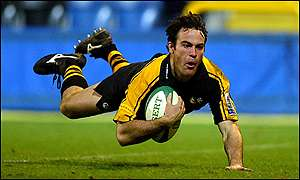 Wasps captain Mark Denney scores the first try of the day against Ulster