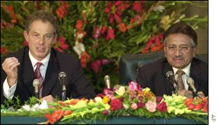 British PM Tony Blair and Pakistani President Pervez Musharraf