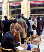 Long queues to get euros at bank