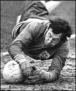 Former England goalkeeper Gordon Banks in action