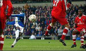 Andy Cole gives Blackburn a 2-0 lead