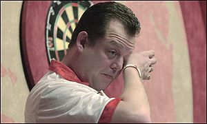 Mervyn King shows emotion after beating Raymond Barneveld of Holland