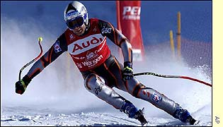 Stephan Eberharter speeds down the course to take the first place in the World Cup downhill race at Wengen