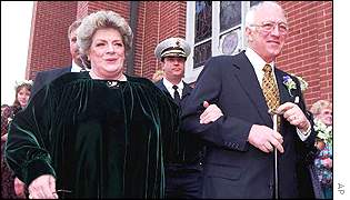 Rosemary Clooney and husband Dante DiPaulo leaving church in 1997