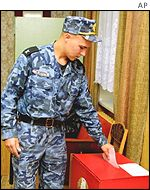 Soldiers voting in Belarus
