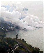 Lava flows into Lake Kivu polluting the water