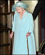 Queen Mother leaves hospital August 2000