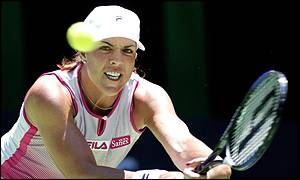 Hingis broke early in the final set but Capriati struck straight back to win the next five games and take the title