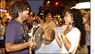 Demonstrators banging pots and pans in Buenos Aires
