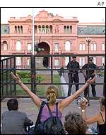 Demonstrators outside the Casa Rosada