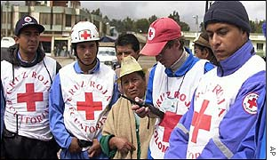 Colombian and Ecuadorean Red Cross workers in Cumbal
