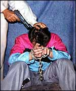 Photo purportedly showing Daniel Pearl held hostage