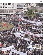 Rally organized by the Palestinian Fatah movement in support of Yasser Arafat on 2/02/2002