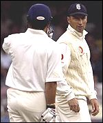 Nasser Hussain has words with Sachin Tendulkar