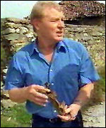 [ image: Paddy Ashdown finds shrapnel in Suva Reka]