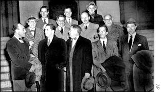 The Hollywood 10 outside Congress with their lawyers in 1948