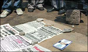 Newspapers on sale at Kinshasa's