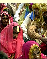 A mass marriage in India