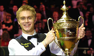 Paul Hunter lifts the B&H Masters title