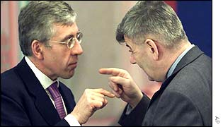 Joschka Fischer  (right) with UK's Foreign Secretary Jack Straw