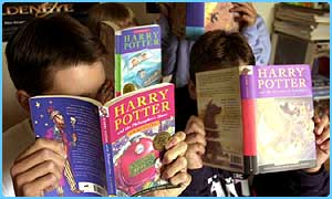 Children reading Harry Potter books