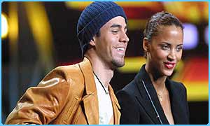Enrique Iglesias with French model Noemie Lenoir