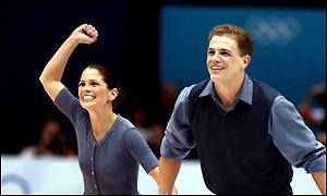 Jamie Sale and David Pelletier smile at the end of their routine