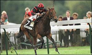 Weaver wins the 1995 Prix de L'Abbaye on Hever Gold Rose