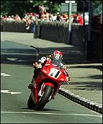Philip McCallen on his way to winning the Formula One event at the 1997 TT
