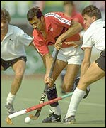 Imran Sherwani dribbles through the German defence at the Seoul Olympics