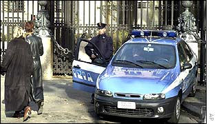 Italian police guard the US embassy in Rome