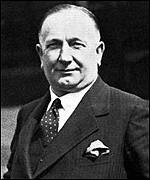 Former Arsenal and Huddersfield manager Herbert Chapman