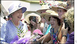 Queen arrives at Cairns Airport