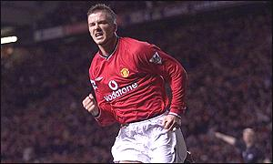 David Beckham puts Manchester United ahead against Tottenham