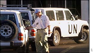 UN weapon inspectors in Baghdad in 1998