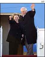 Dick Cheney and his wife Lynne board Air Force Two