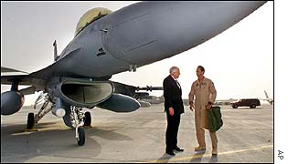 Dick Cheney with USAF personnel at al-Udeid base
