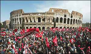 Demonstrators converge in Rome