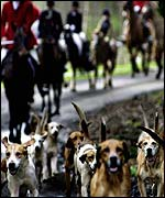 Hunt sets off at Bowhill Estate
