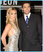CBBC Newsround | SENTENCE | Worksheet: Booed Britney ...